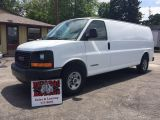 Photo of White 2005 GMC Savana 2500