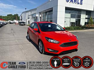 Used 2015 Ford Focus Ford Focus SE 2015, caméra de recul, blu for sale in Gatineau, QC