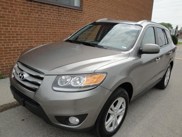 2012 Hyundai Santa Fe limited-leather-roof-bluetooth-AWD