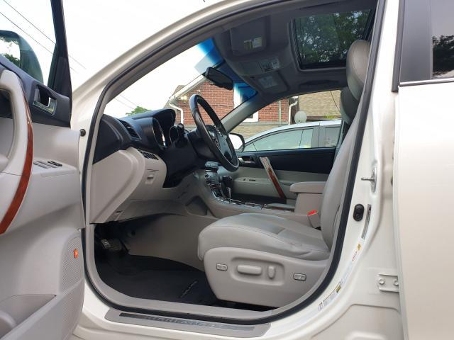 2011 Toyota Highlander LIMITED  Photo19