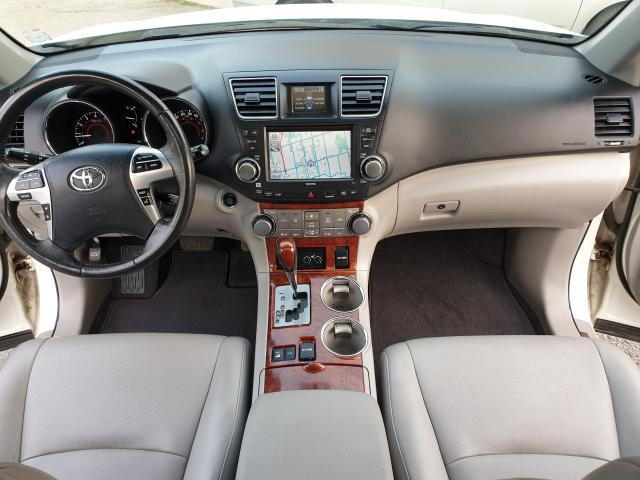 2011 Toyota Highlander LIMITED  Photo21