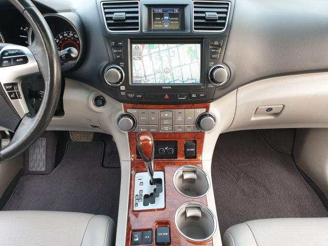 2011 Toyota Highlander LIMITED  Photo22