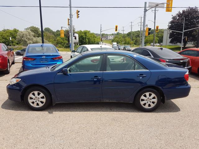 2005 Toyota Camry LE *SUNROOF*
