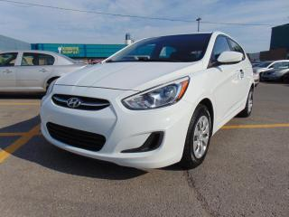 Used 2015 Hyundai Accent Voiture à hayon, 5 portes, boîte manuell for sale in St-Eustache, QC