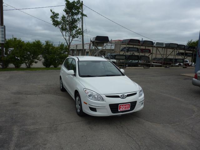 2011 Hyundai Elantra Touring GL, LOW MILEAGE