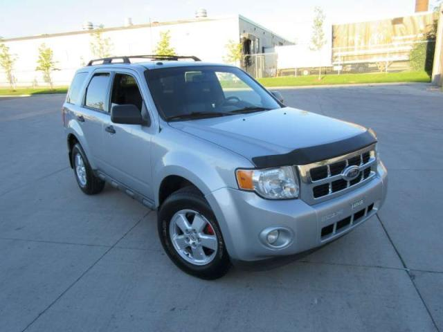 2011 Ford Escape Auto, leather, 3/Y warranty available