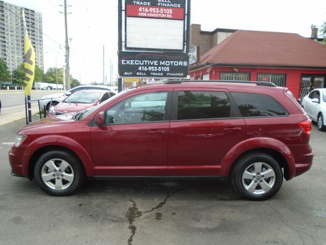 2011 Dodge Journey 4 CYL / FUEL SAVE/ MINT / NEW BRAKES / 7 PASSENGER