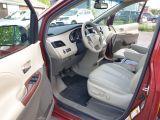2011 Toyota Sienna XLE Photo36