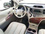 2011 Toyota Sienna XLE Photo38