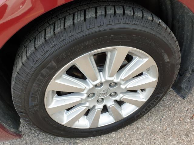 2011 Toyota Sienna XLE Photo25
