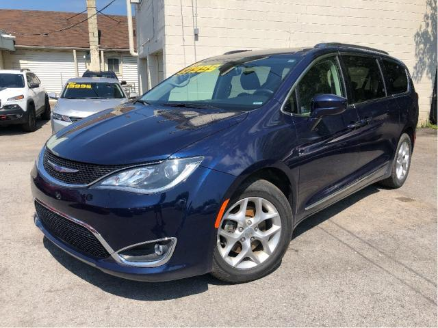 2018 Chrysler Pacifica Touring L Plus| Sunroof| DVD |Loaded|