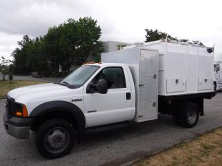 Used 2007 Ford F-550 Dump Regular Cab 4WD Dually Diesel Landscaper chipper for sale in Burnaby, BC