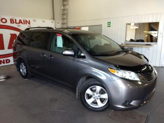 Used 2015 Toyota Sienna LE 8 Passenger *** A/C MAG ** for sale in Ste-Julie, QC