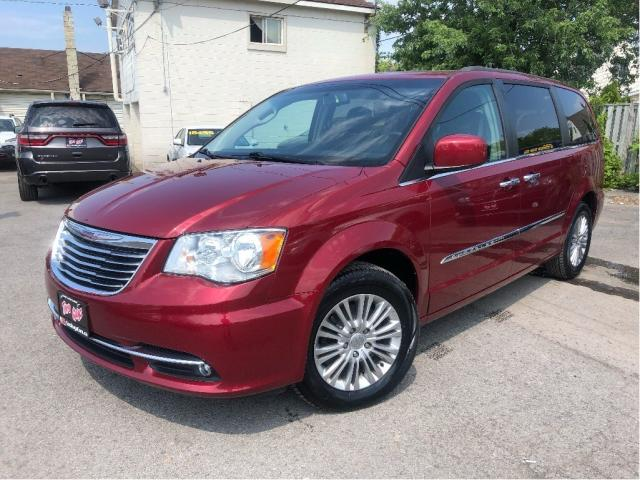 2015 Chrysler Town & Country Navigation Leather Moonroof Entertainment System