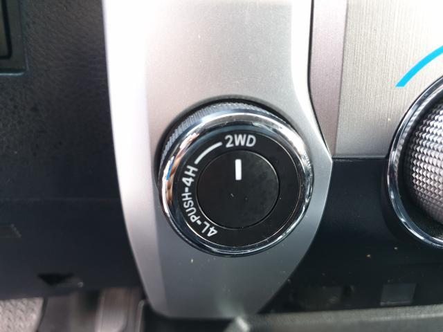 2014 Toyota Tundra Limited  Photo27