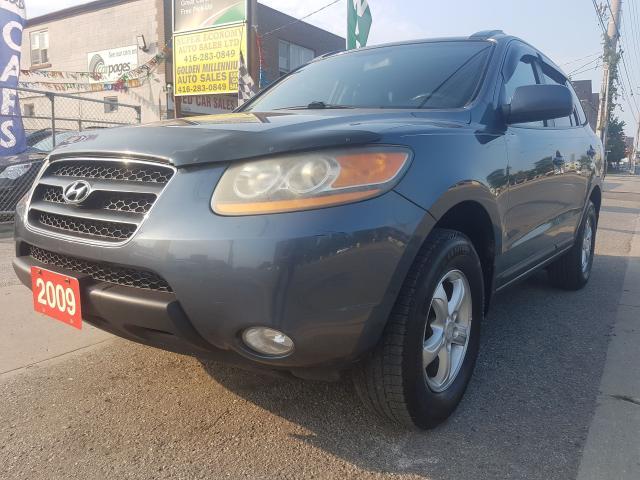 2009 Hyundai Santa Fe GL- Extra Clean - Leather - Sunroof - Alloys - Aux