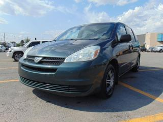 Used 2004 Toyota Sienna 4 portes CE 7 passagers for sale in St-Eustache, QC