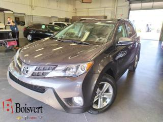 Used 2015 Toyota RAV4 Xle/awd/toit/siege for sale in Blainville, QC