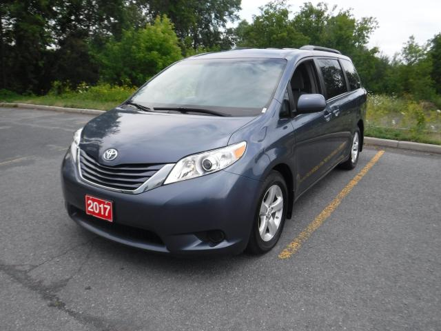 2017 Toyota Sienna LE