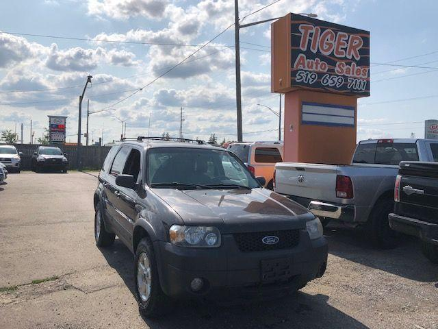 2006 Ford Escape XLT*LEATHER*NEWER TIRES&BRAKES*ONLY 153KMS**AS IS