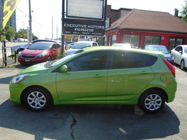 2013 Hyundai Accent GL/ NEW BRAKES / CERTIFIED / A/C / CLEAN /