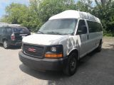 Photo of White 2008 GMC Savana