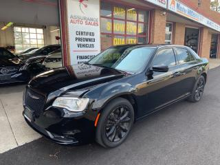 Used 2015 Chrysler 300 Touring/AWD/Navi/Backup Camera/No Accidents for sale in Burlington, ON