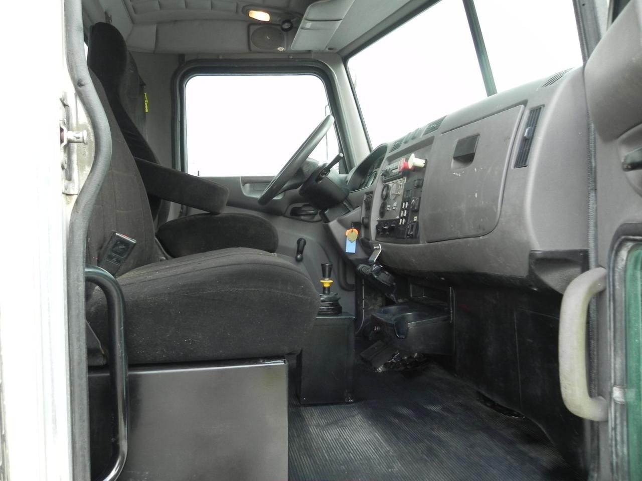 2011 PETERBILT 337