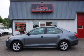 Used 2013 Volkswagen Jetta TRENDLINE+ 2.0L 5 VITESSES FULL A/C MAGS BLUETOOTH for sale in Lévis, QC
