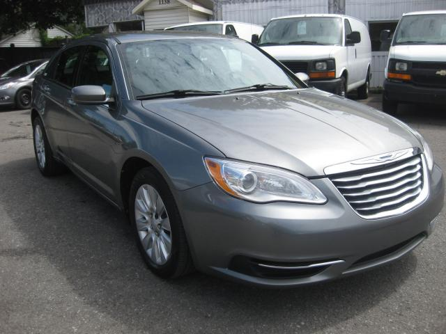 2012 Chrysler 200 LX 2.4L 4cyl Auto FWD AC PM PW PL