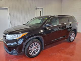 Used 2016 Toyota Highlander XLE for sale in Pembroke, ON
