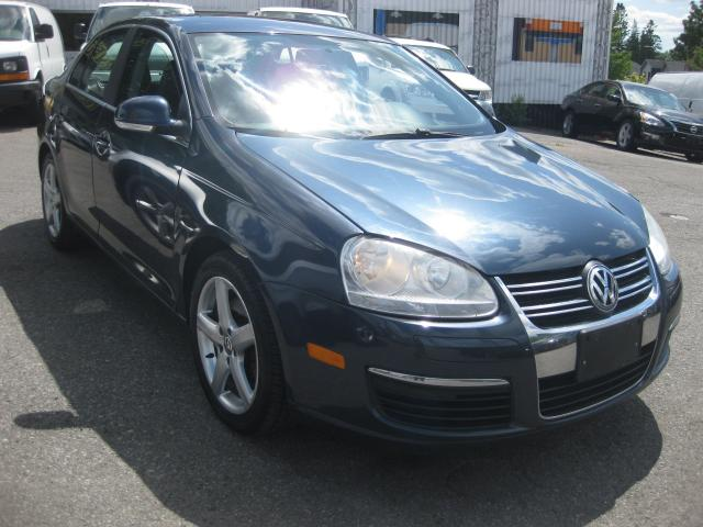 2009 Volkswagen Jetta HIGHLINE 2.0T 4cyl AC Sunroof htd Leather PM PW PL