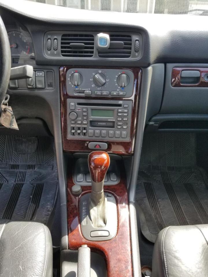 2000 Volvo S70