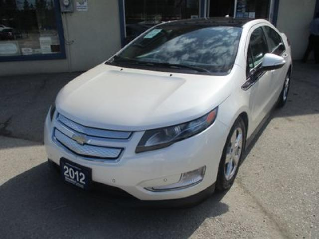 2012 Chevrolet Volt LOADED PREMIUM EDITION 4 PASSENGER HYBRID-ELECTRIC ENGINE.. NAVIGATION.. LEATHER.. HEATED SEATS.. BOSE AUDIO.. BACK-UP CAMERA.. DVD..