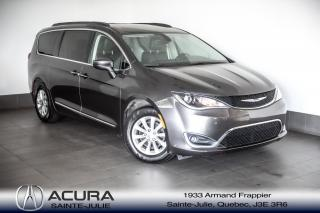 Used 2017 Chrysler Pacifica Touring-L for sale in Ste-Julie, QC