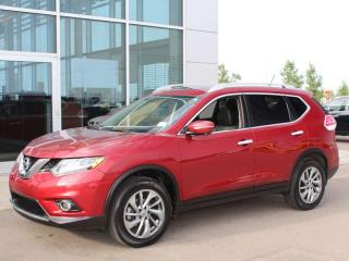 Used 2015 Nissan Rogue SL AWD / HEATED SEATS / PANO ROOF / POWER LIFT GATE for sale in Edmonton, AB
