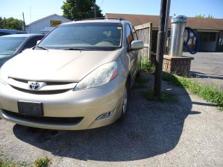 Used 2006 Toyota Sienna LE for sale in Sarnia, ON