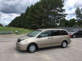 Photo of Beige 2004 Toyota Sienna