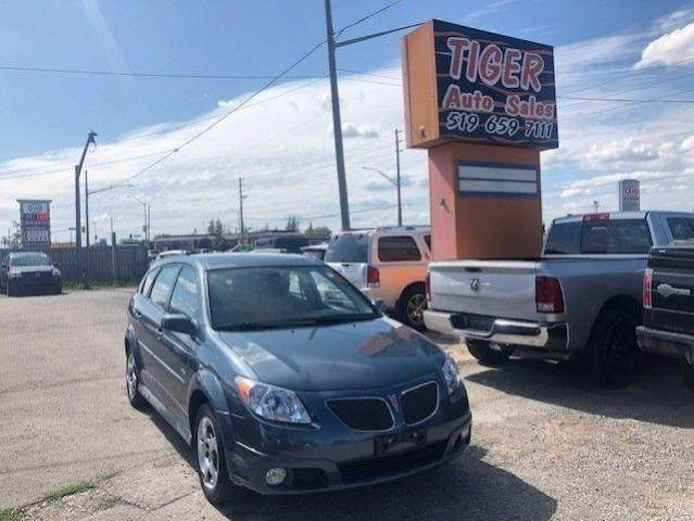 2006 Pontiac Vibe **ONLY 49,000 KMS**AUTO**VERY CLEAN**CERTIFIED