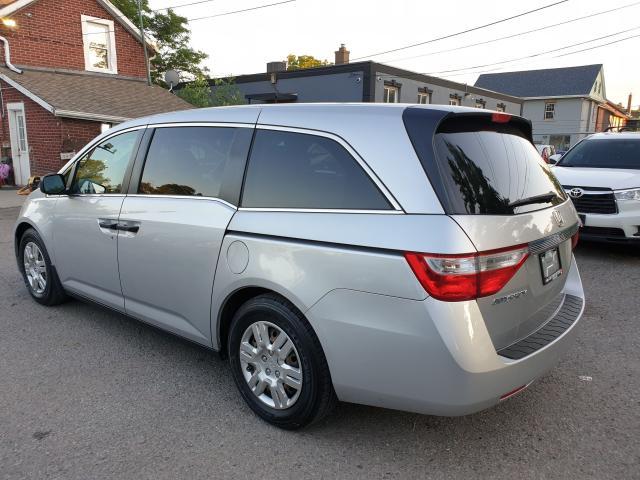 2013 Honda Odyssey LX Photo4