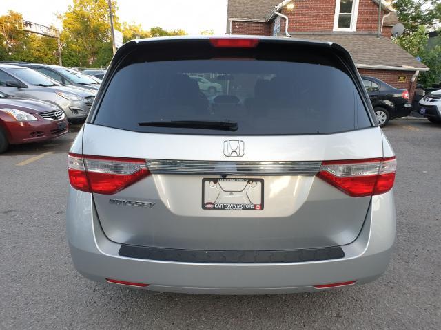 2013 Honda Odyssey LX Photo5