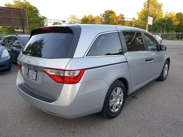 2013 Honda Odyssey LX Photo6