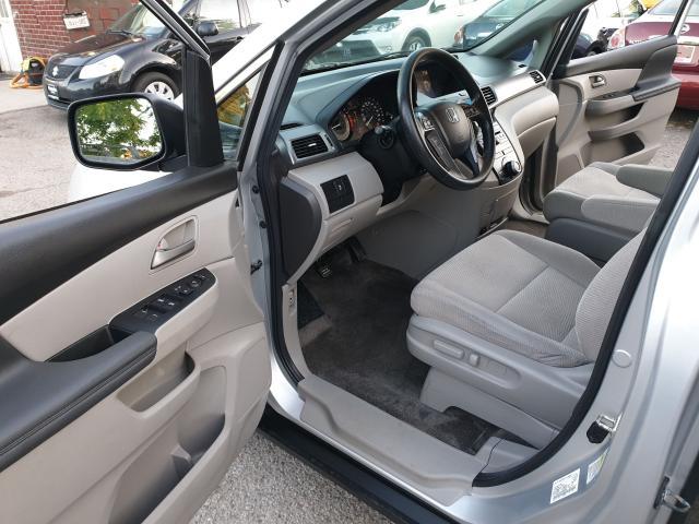 2013 Honda Odyssey LX Photo9
