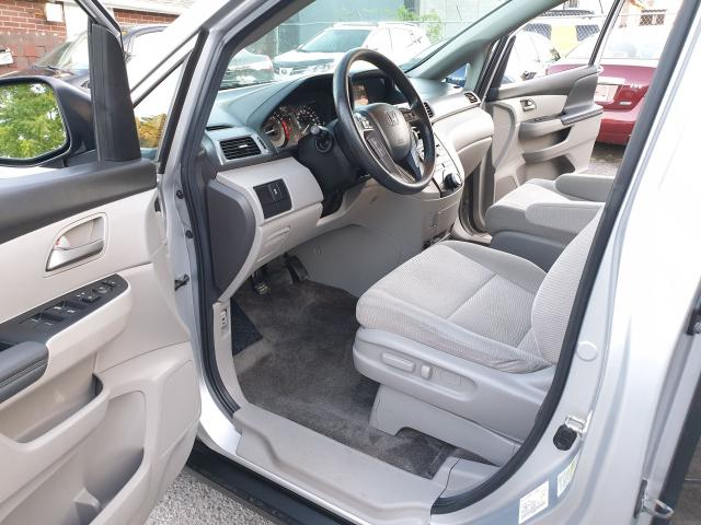 2013 Honda Odyssey LX Photo11