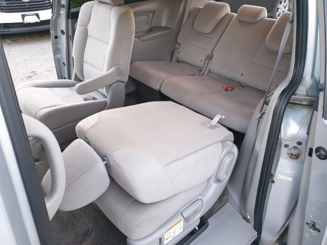 2013 Honda Odyssey LX Photo13