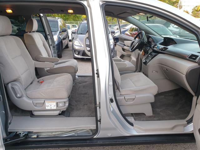2013 Honda Odyssey LX Photo15