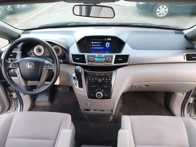 2013 Honda Odyssey LX Photo17