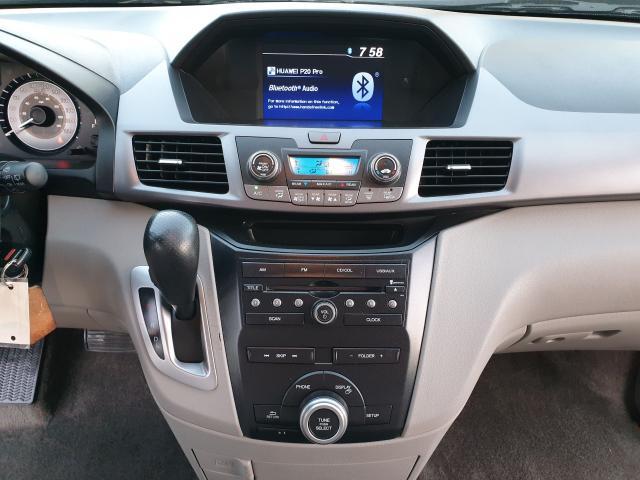 2013 Honda Odyssey LX Photo18