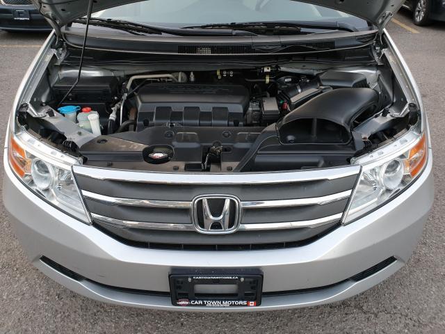 2013 Honda Odyssey LX Photo23