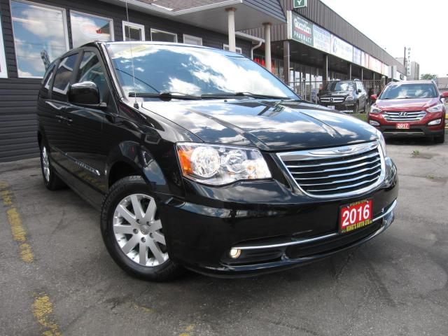 2016 Chrysler Town & Country Touring ACCIDENT FREE!!  7 PASSENGER, BACK UP CAMERA, CRUISE CONTROL